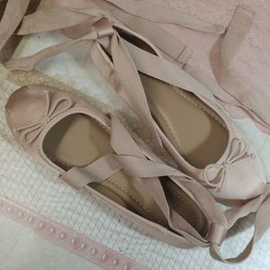 Mossimo like new ballerina lace up flats 8